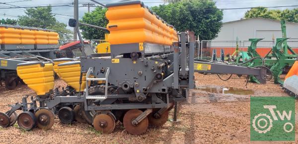 https://tratorweb.com.br/images/machinery/5e5048a1e33c120200212_112959.jpg